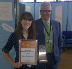 Jasmine with her award